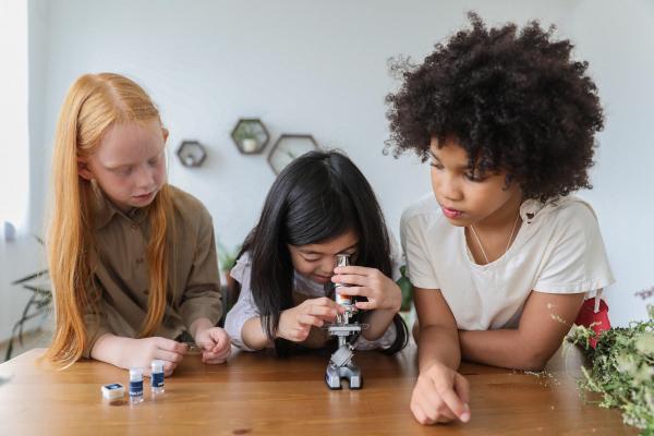 Kızlar Okulda Gelecekleri Güvende