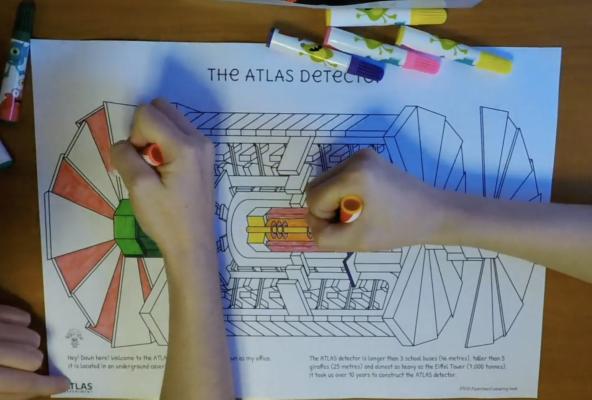 Çocuklar CERN ATLAS deneyini boyama kitabıyla öğreniyor!