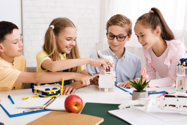 Çocuklar İçin Deney Seti Nedir ve Neden Önemlidir?